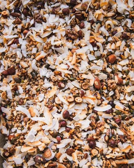 Sladká bezlepková granola plná ořechů (150g)