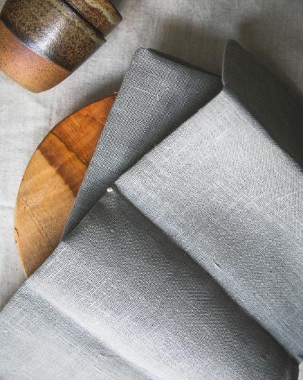 Lněný šedý ubrousek