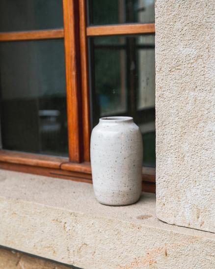 Keramická váza tečkovaná větší
