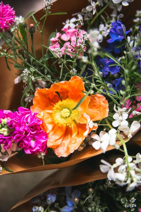Svazek sezónních květů z Loukykvět