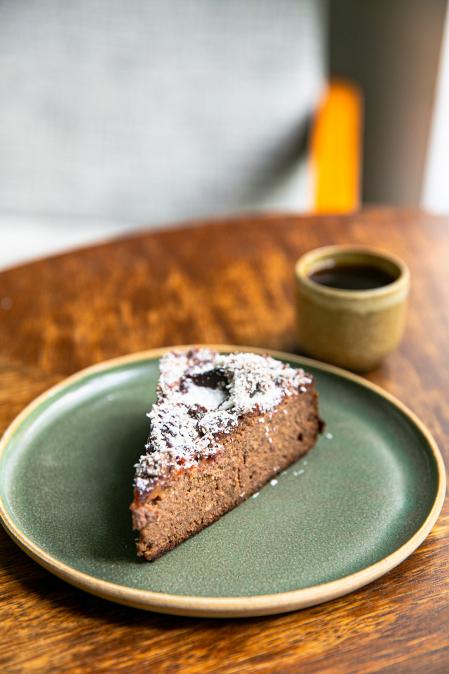 Zdravý švestkový koláč - bez lepku a laktózy, lehce slazen ovocem